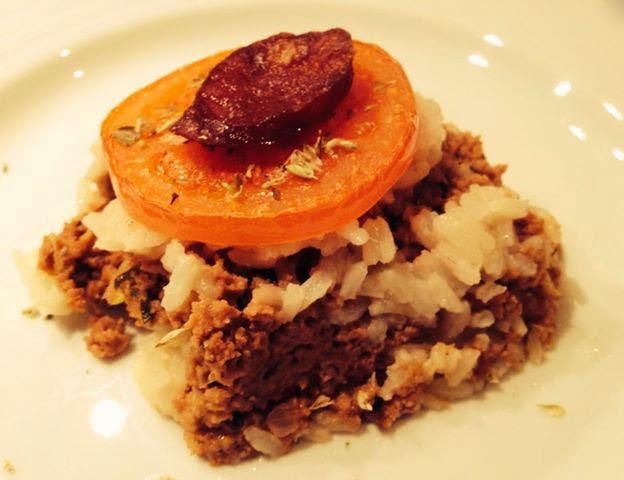 Empadão de carne e arroz