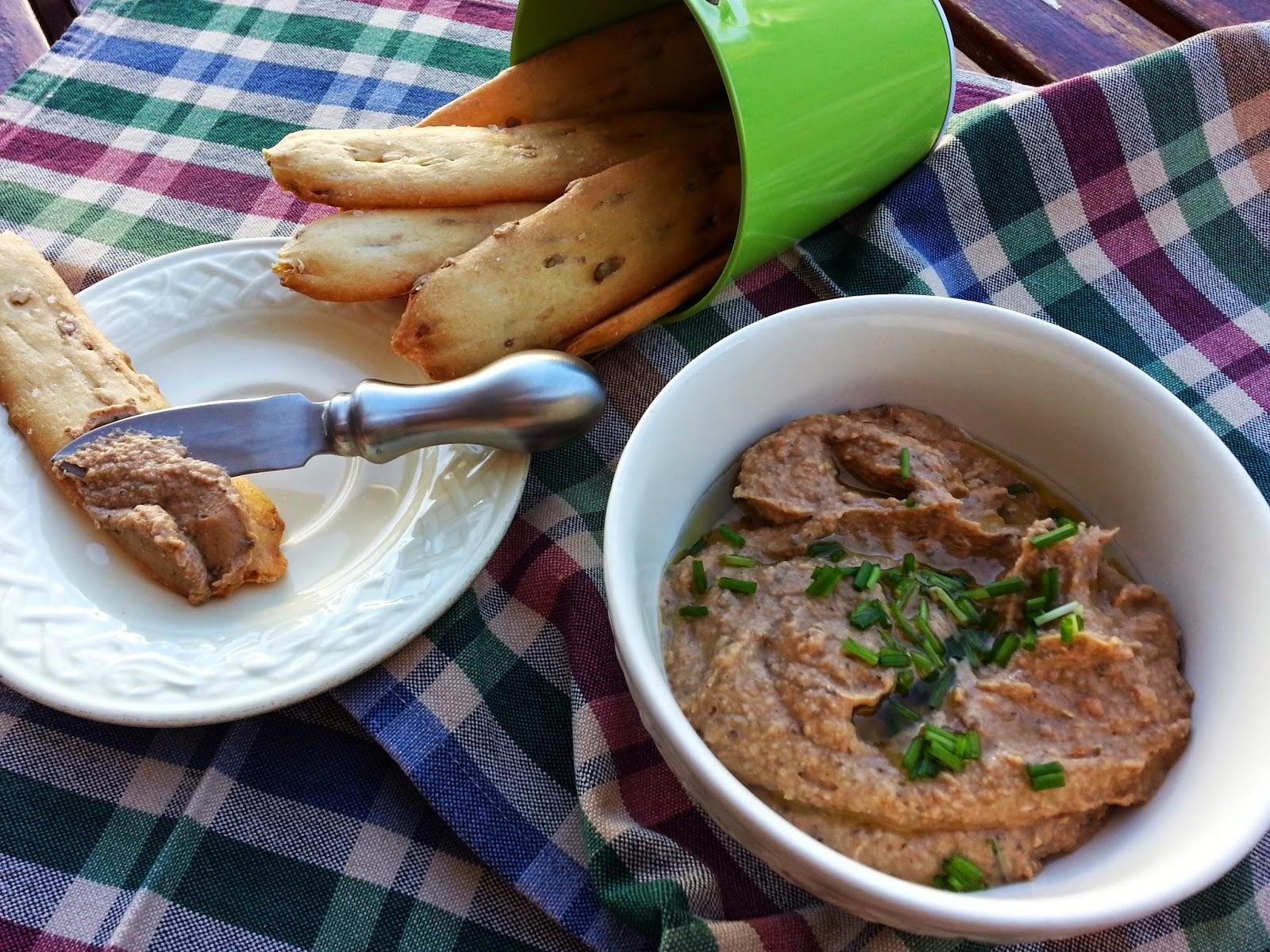 Hummus de grão e tomate seco