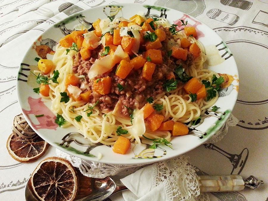 Esparguete à bolonhesa com abóbora caramelizada