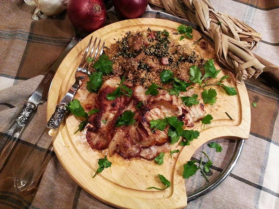 Lombo de porco fatiado à inglesa com couscous de cogumelos