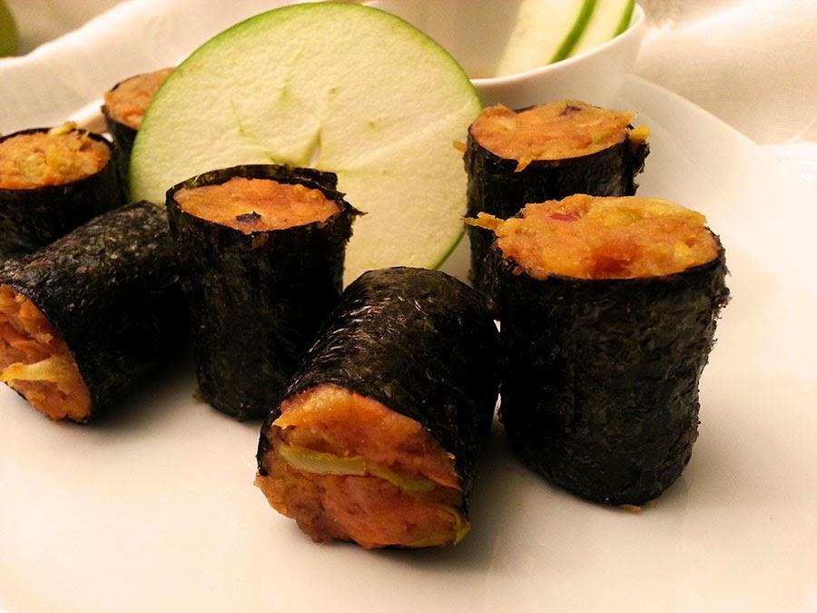 Sushi de alheira com maçã verde e cenoura