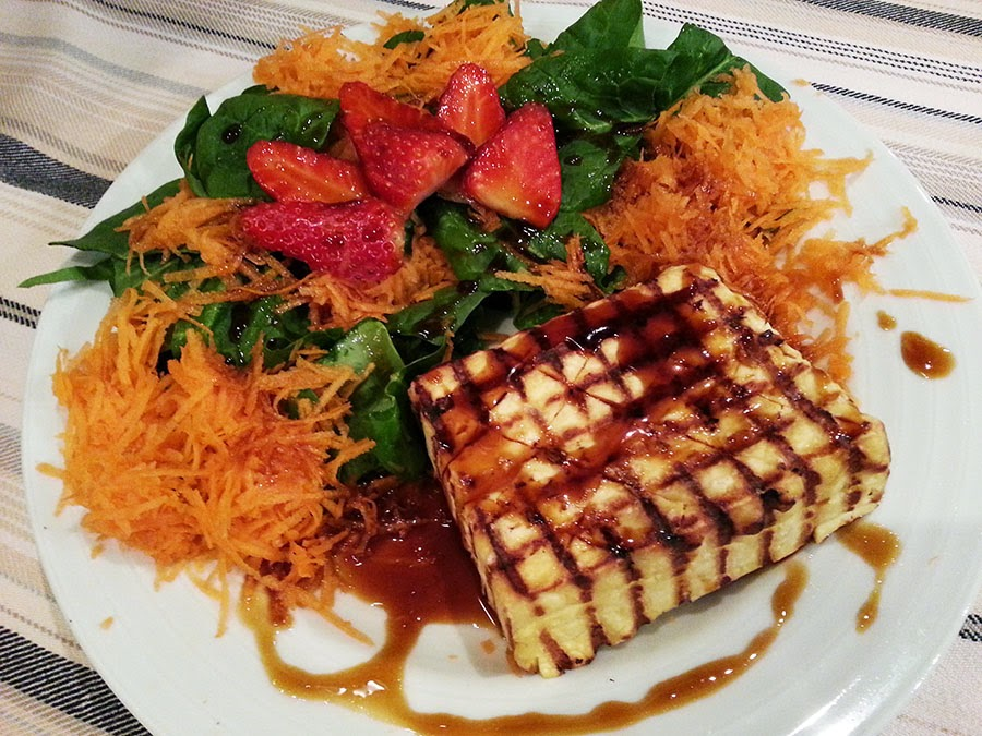 Tofu grelhado com molho de soja e mel
