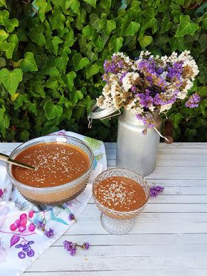 Mousse de chocolate com três ingredientes