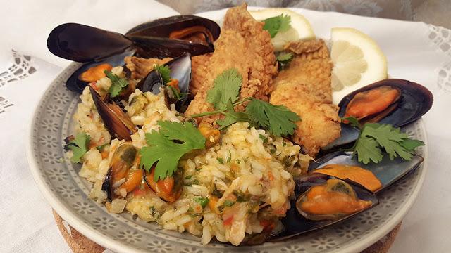 Raia frita com arroz de mexilhões e coentros