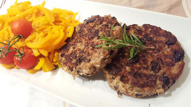 hamburgueres de frango e feijão