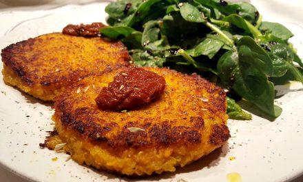 Hambúrgueres de quinoa e abóbora assada