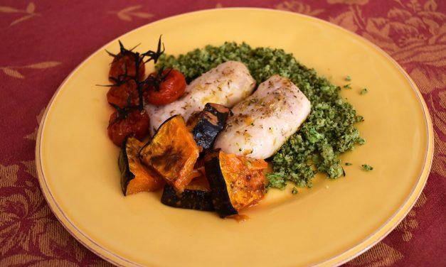 """Lombos de pescada com legumes assados e """"arroz"""" de bróculos"""