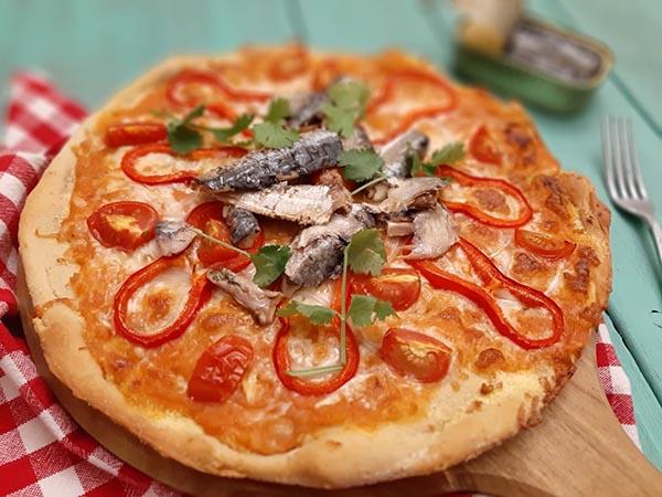pizza de sardinha caseira
